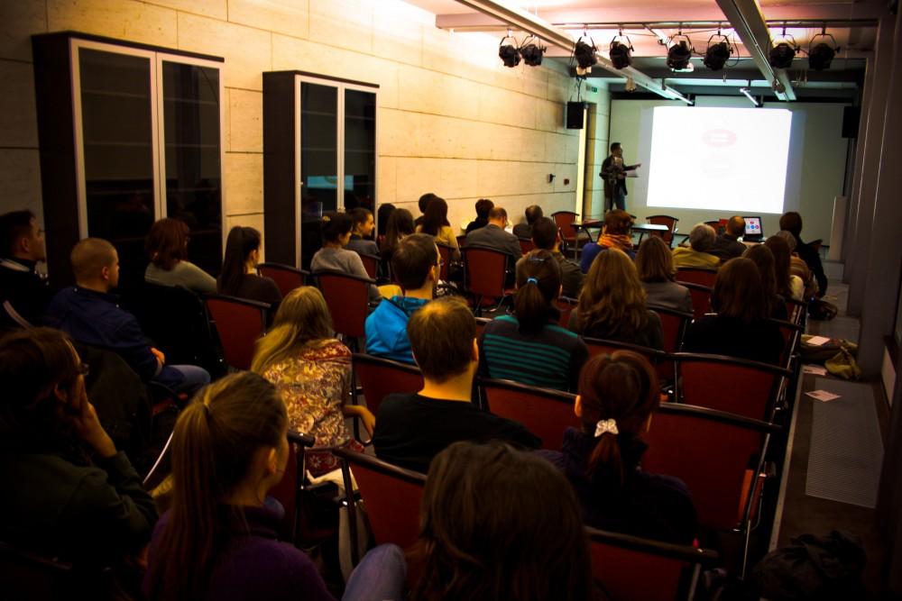 Hibriditás és vizuális kultúra - Katalógusbemutató workshop
