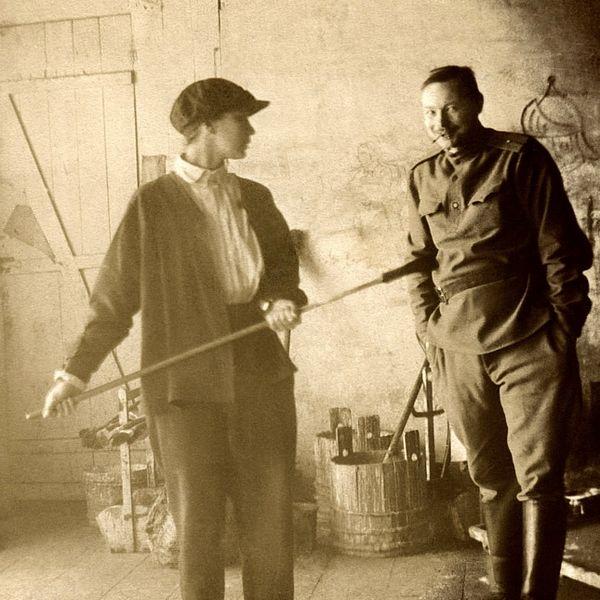 Natalia_Goncharova_and_Mihail_Larionov,_Moscow,_1913