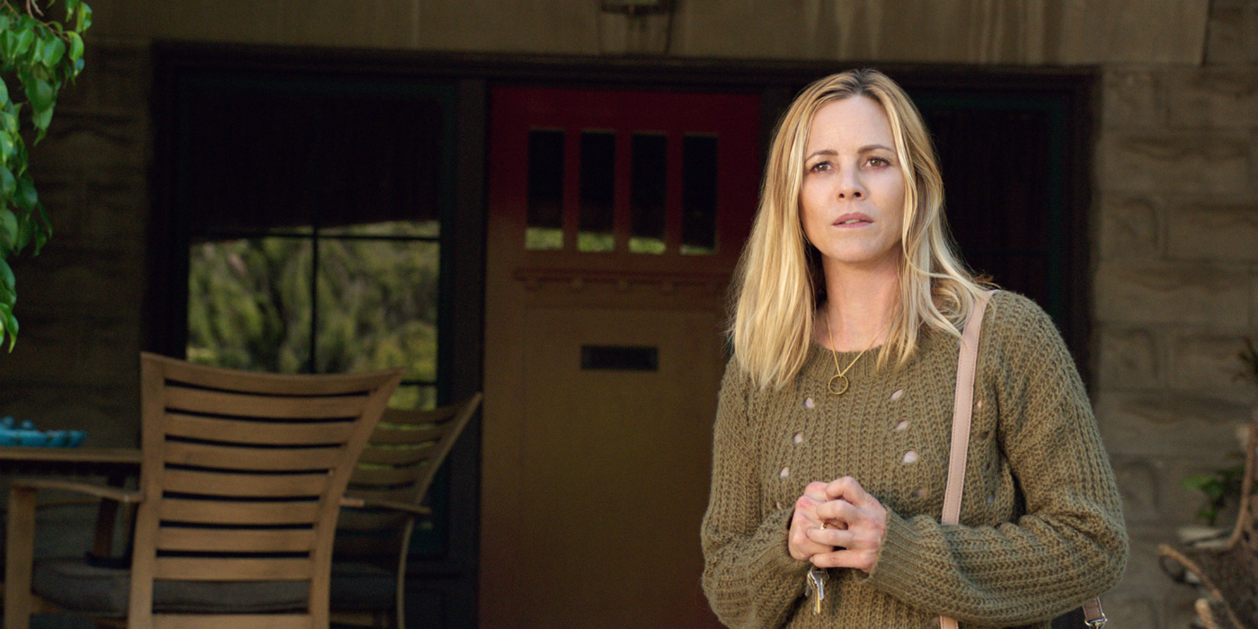 lights-out-2016-movie-review-maria-bello