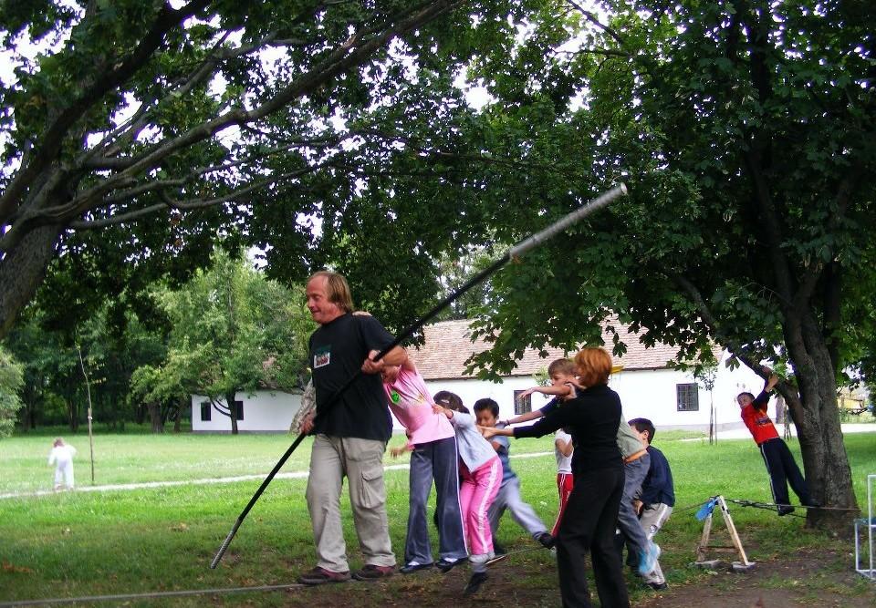 2010. július vége - Cirkusztábor a Gárdonyi Emlékháznál, Agárdon 07