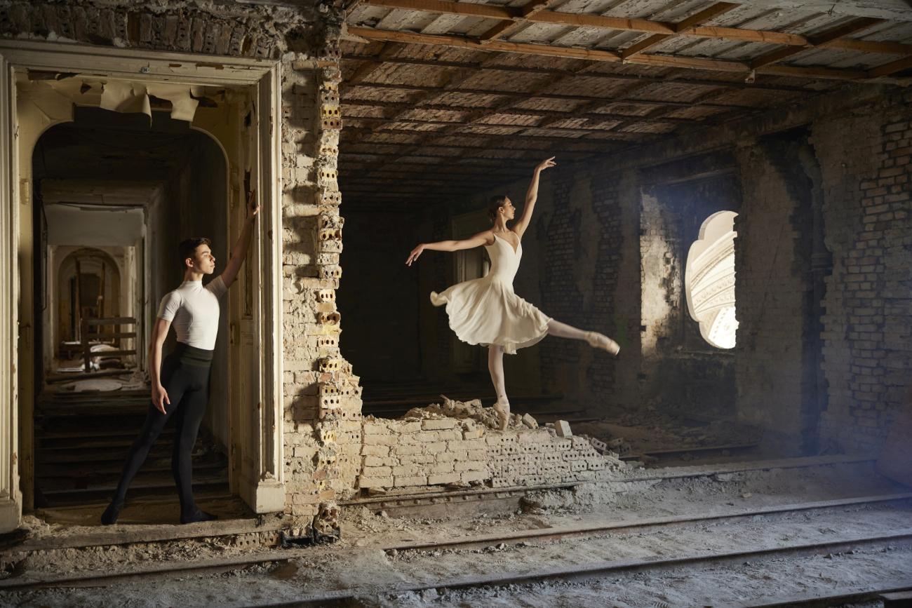 The Art Around us – Képek a volt Balettintézetből