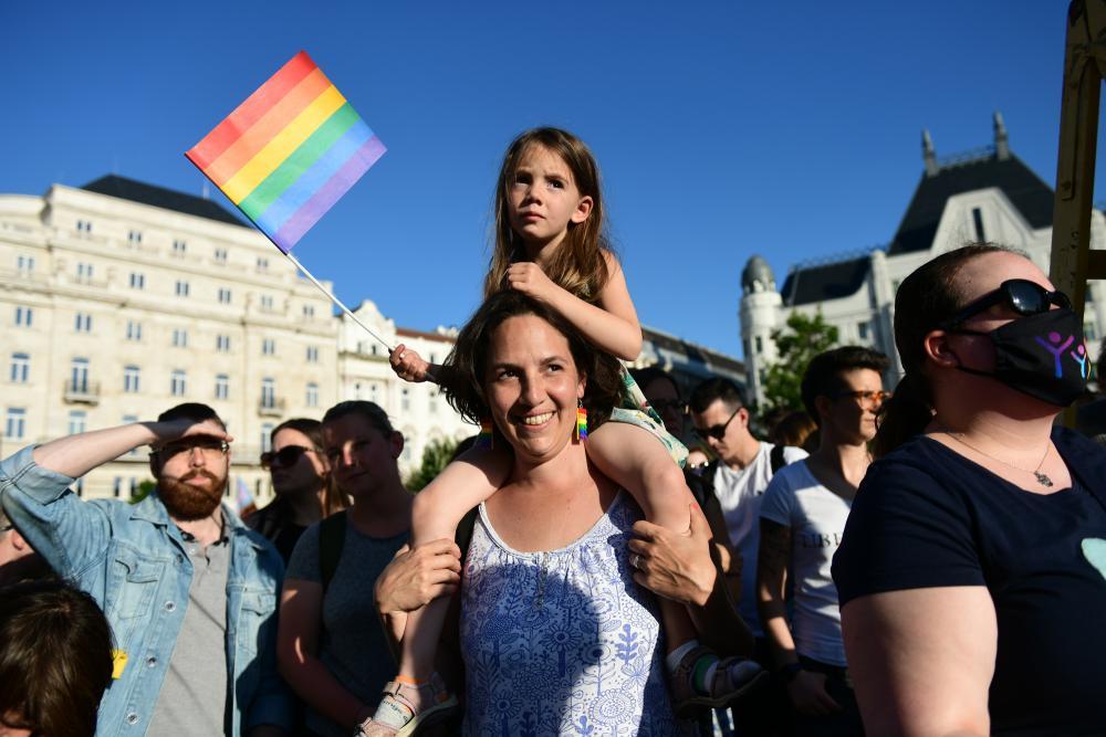 Tüntetés a törvénytervezet megszavazása előtt (fotó: Béres Márton, Népszava)