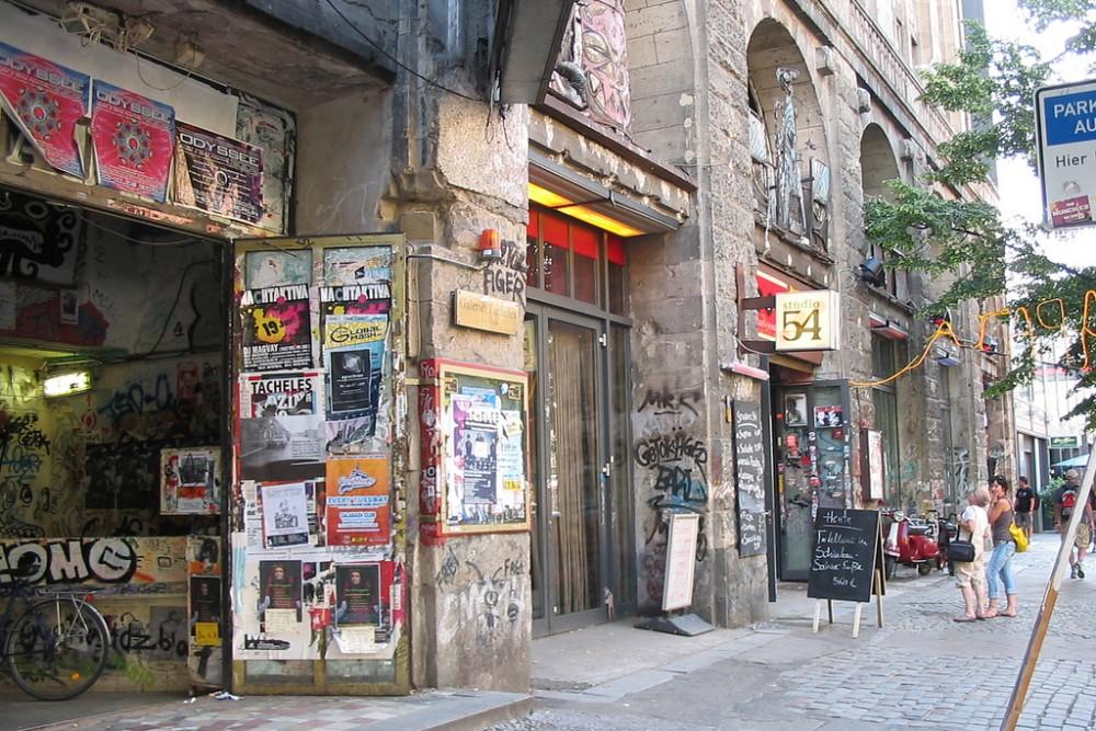 A Tacheles utcai bejárata