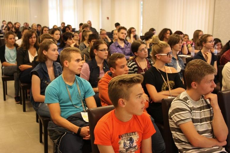 IV. Hajdúböszörményi Írótábor sok-sok fiatallal