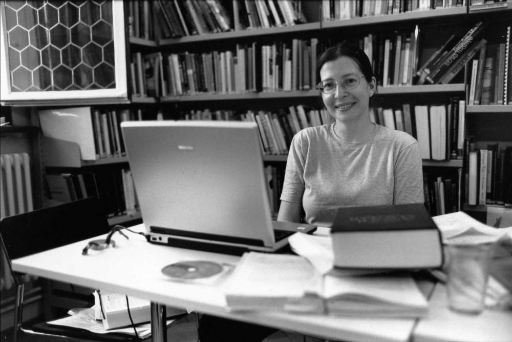 Gula Marianna Zürichben, munka közben
